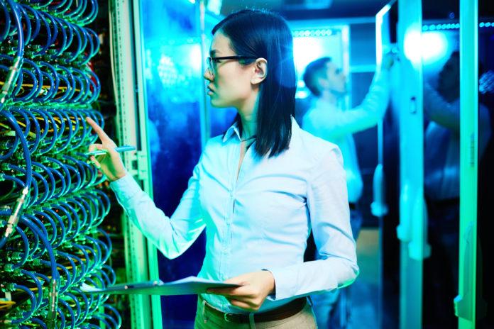 4 Reasons Why a Data Centre Refresh Makes Sense, data centre, enterprise data centre, refresh, it solutions, it services, cdw, cdw canada,